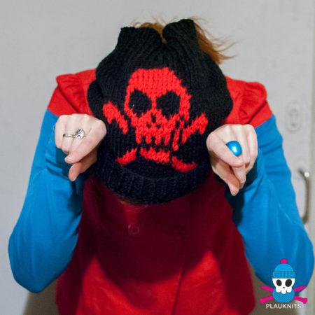 Чёрно-красная вязаная повязка на голову для дред с черепом