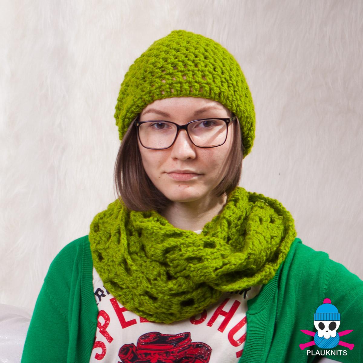 Зелёный вязаный комплект шарф-снуд и шапка Кристалл