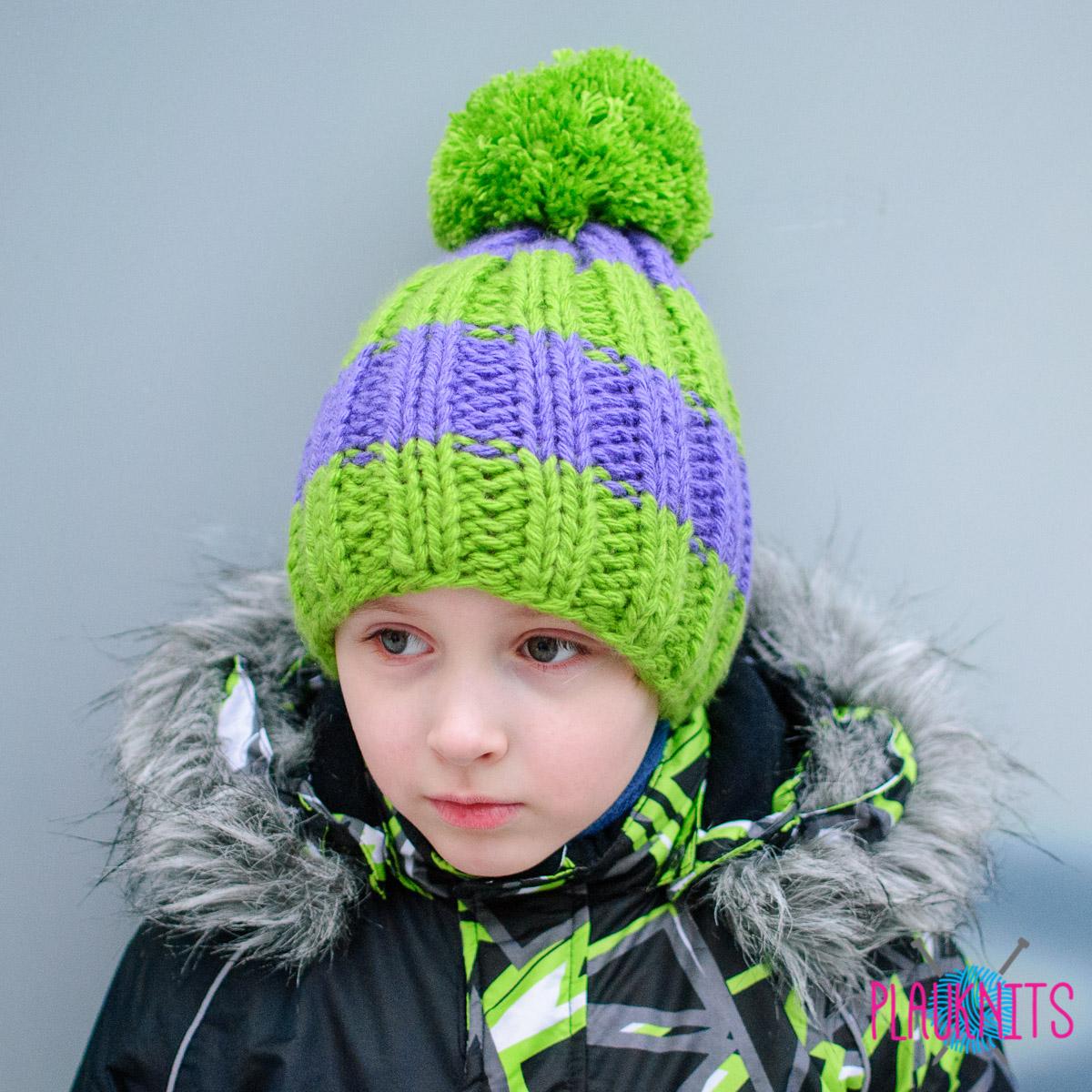 Сиренево-зелёная вязаная шапка с помпоном Орбиталь