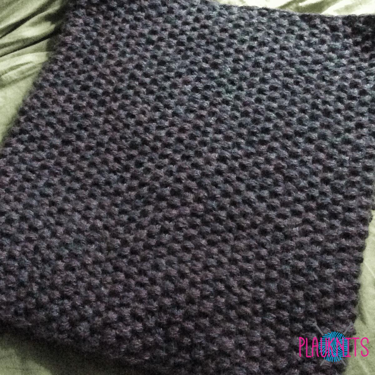 Серый вязаный мужской шарф-снуд ручной работы