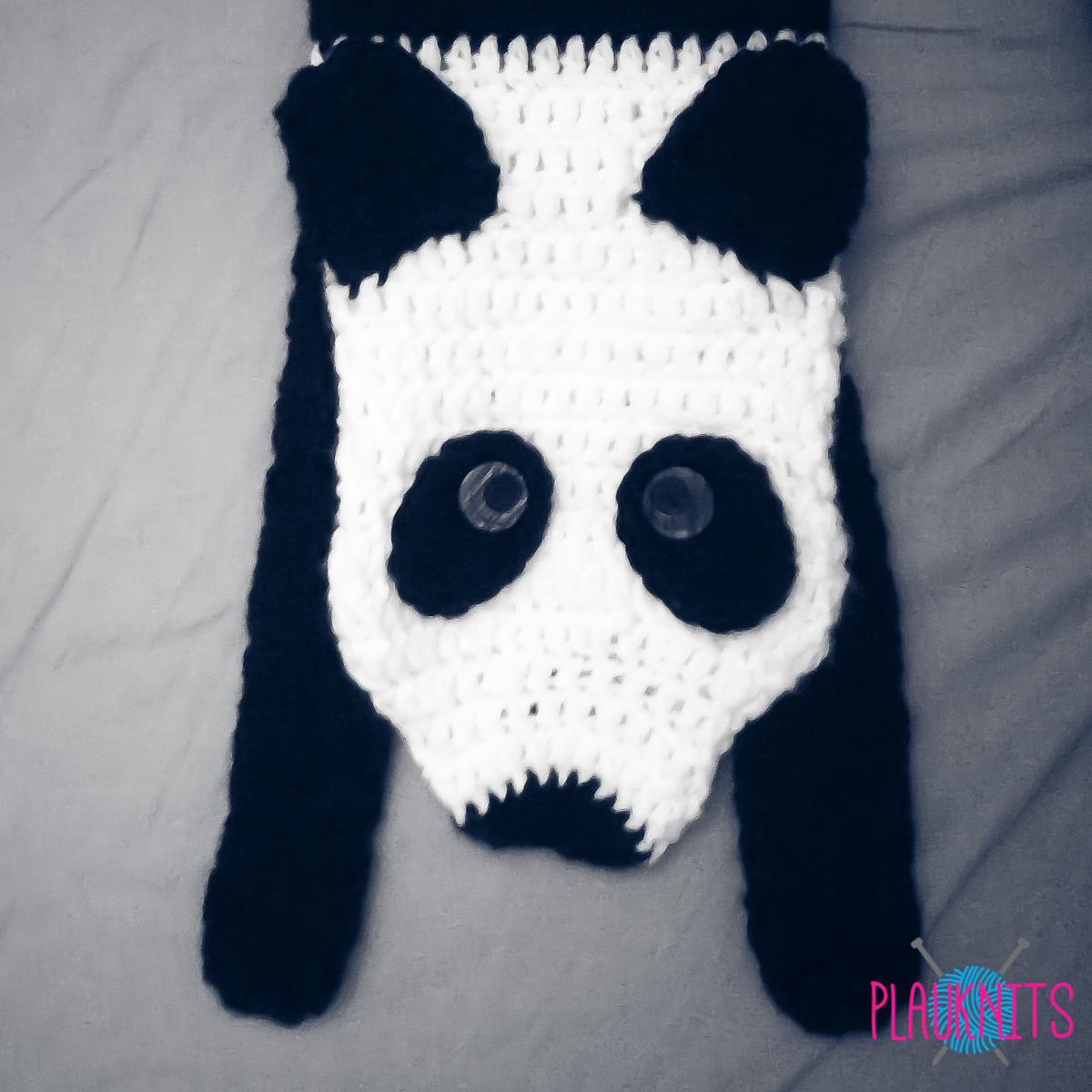 Бело-чёрный вязаный зверошарф Панда
