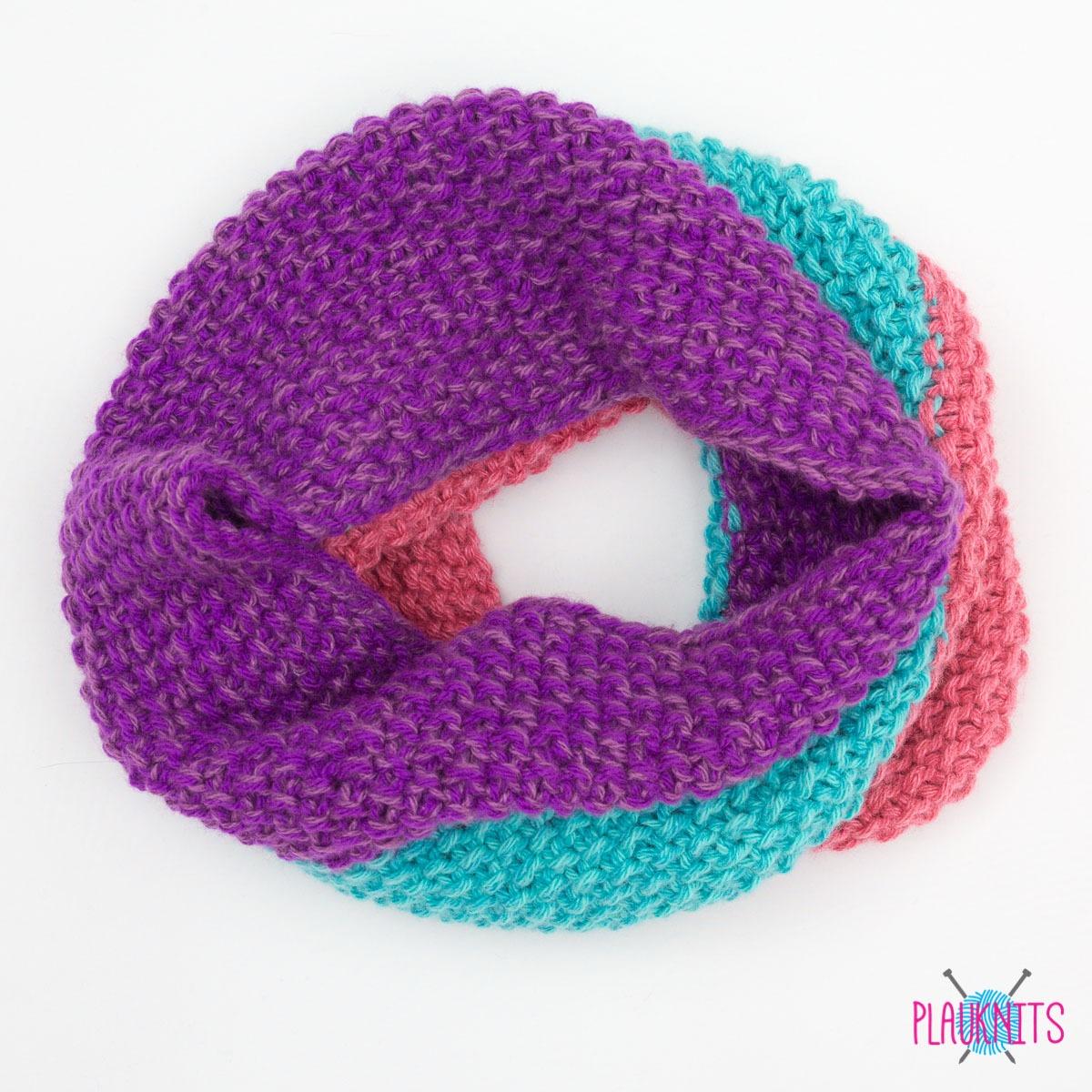 Яркий вязаный шарф снуд Три полоски