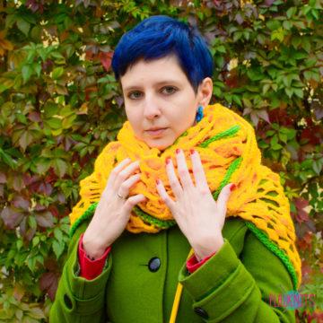 Жёлтая вязаная шаль-шарф Узор