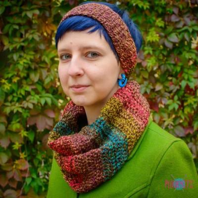 Вязаный комплект шарф-снуд и повязка Яркие краски