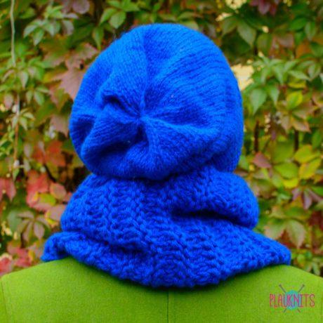 Синий вязаный комплект шарф-снуд и шапка