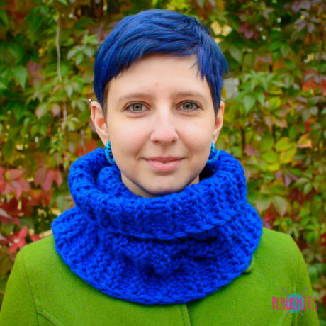 Синий вязаный шарф-снуд Авогадро