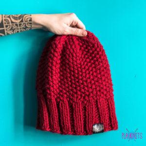Бордовая свободная вязаная шапка для дредов Квант