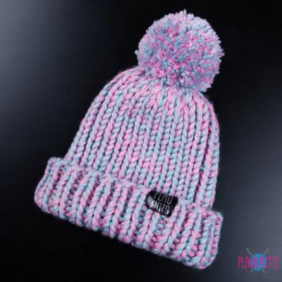 Розово-голубая вязаная шапка Пастельное утро