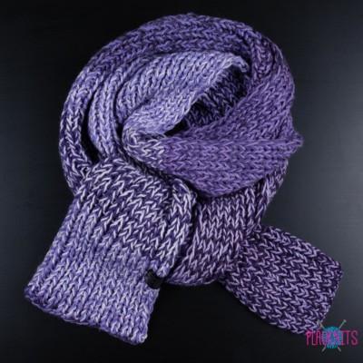 Длинный фиолетовый вязаный шарф ручной работы